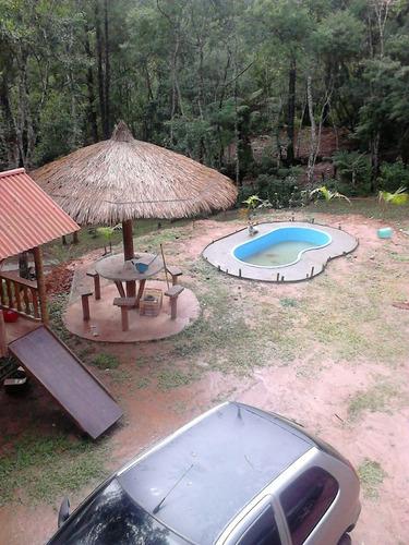 chácara em juquitiba com chale de madeira e piscina