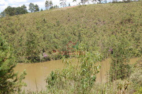 chácara em juquitiba com fundos para represa