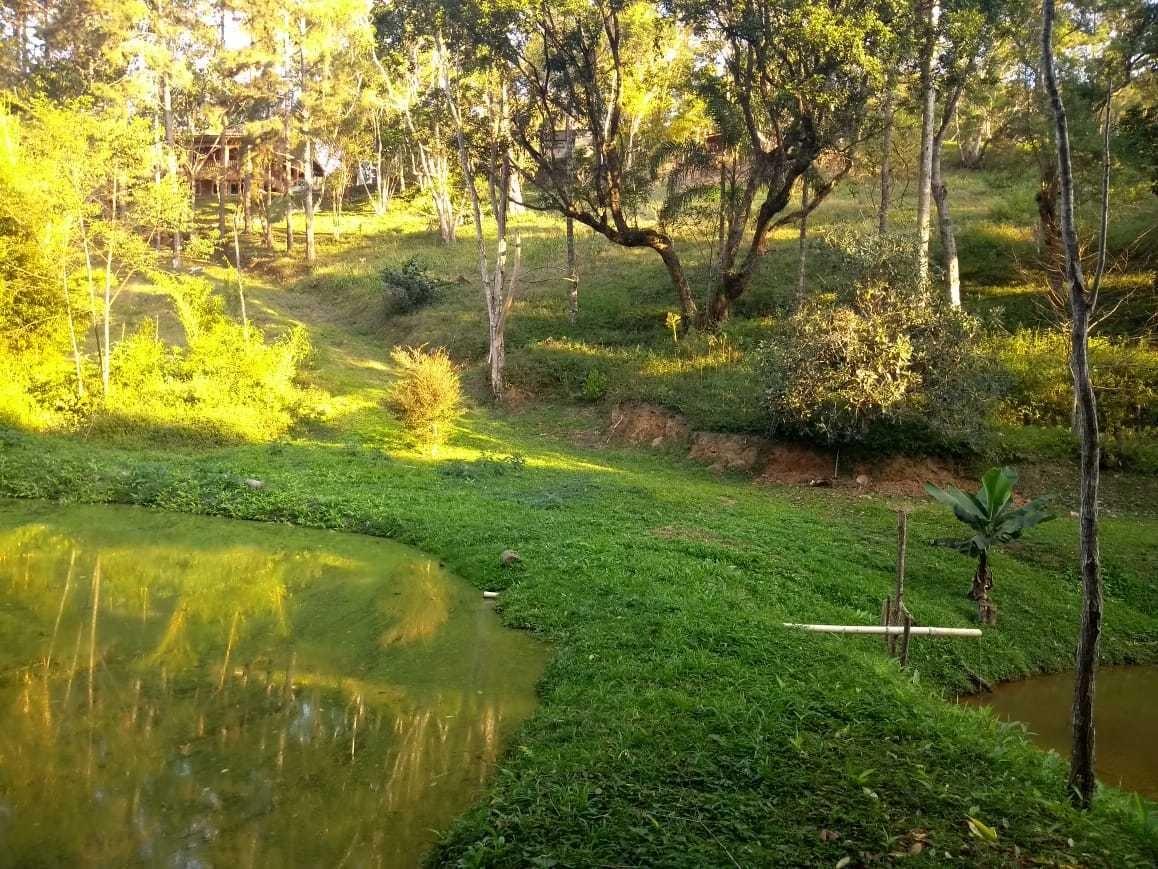 chácara em juquitiba com lago piscina