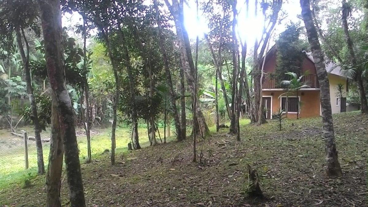 chácara em juquitiba com lindo chalé e bosque