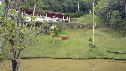 chácara em juquitiba de fácil acesso com lagos e piscina