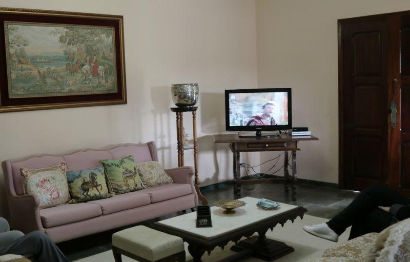 chácara em são josé do rio pardo com 3.200 m2-  ótima localização -casa excelente  04 quartos 02 suites- pomar . - 2213