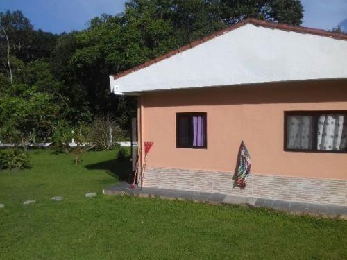chácara escriturada com 3 dormitórios e piscina - ref 0730-p
