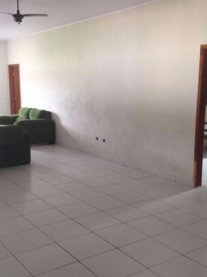 chácara lado serra,medindo 2400m²,com 4 dormitórios.itanhaém