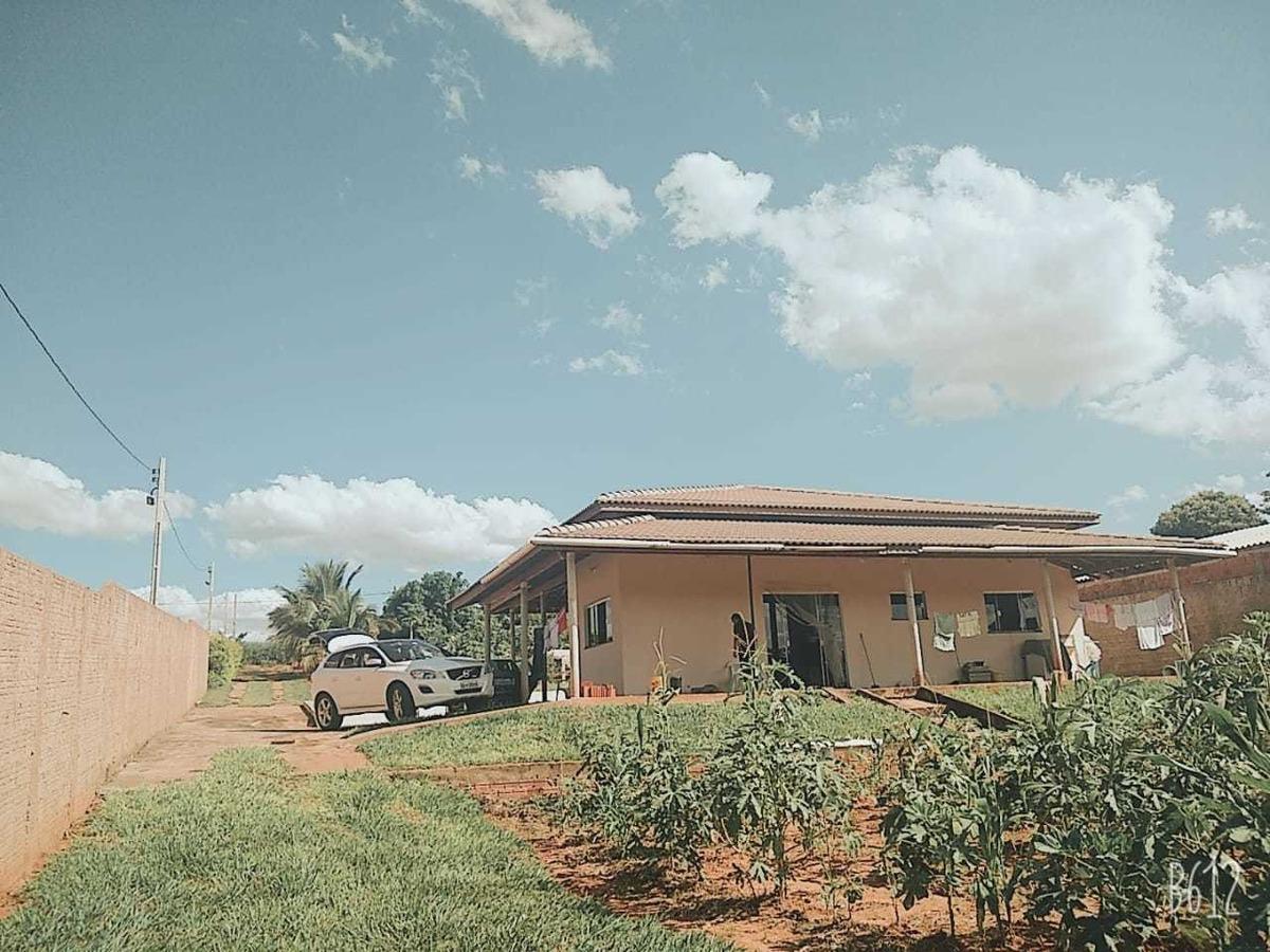 chácara lins.com 3 quarto 2 suite 1 banheiro e sal e cozinha