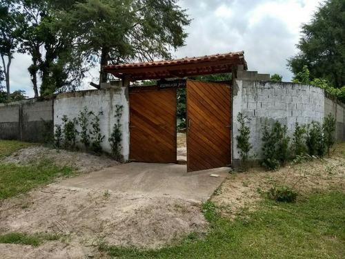 chácara murada na praia, c/ pequena casa, plana, 2000m²