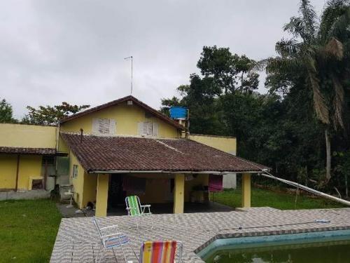 chácara na praia com 4 quartos, piscina e escriturada.