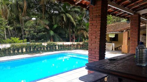 chácara para moradia com lago e piscina