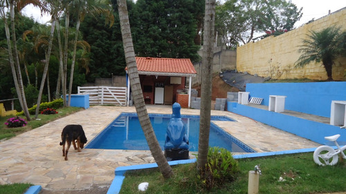 chácara próximo a cidade com piscina
