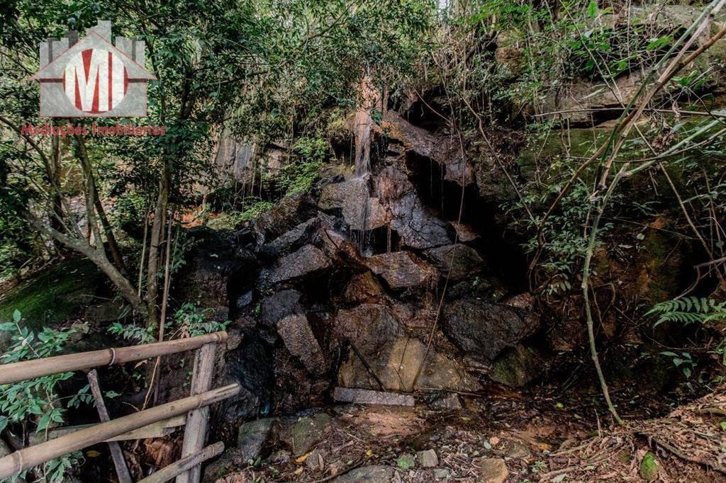 chácara rica em água com mina, 03 dormitórios, piscina, campo, pomar à venda, 3000 m² por r$ 220.000 - ch0294