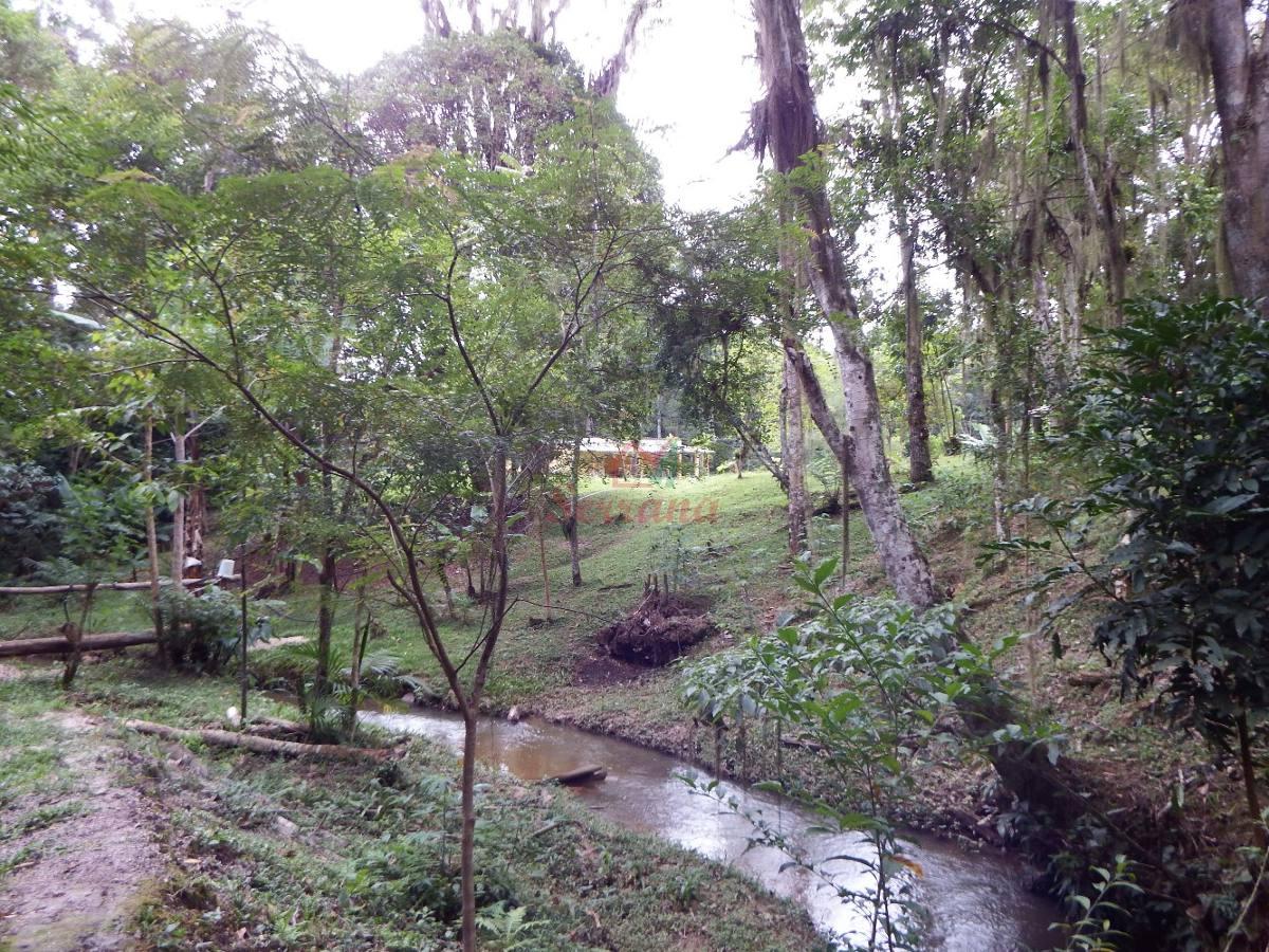 chácara rico em água e área toda plaina