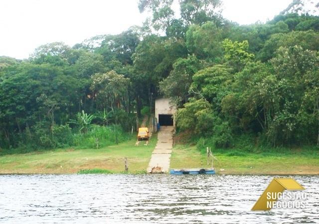 chácara suntuosa pe na água bem localizada - 2349
