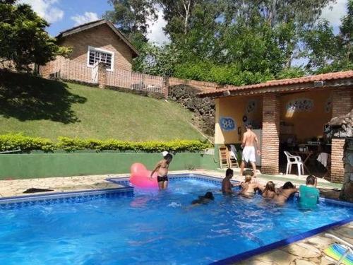 chácara urbana 4.700 m² piscina