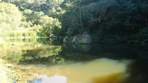 chácara vargem do salto com lago