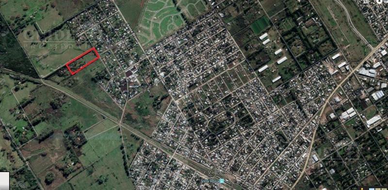 chacra 2,5 has parque con una casa, piscina, galpones y casa de caseros  - villa rosa