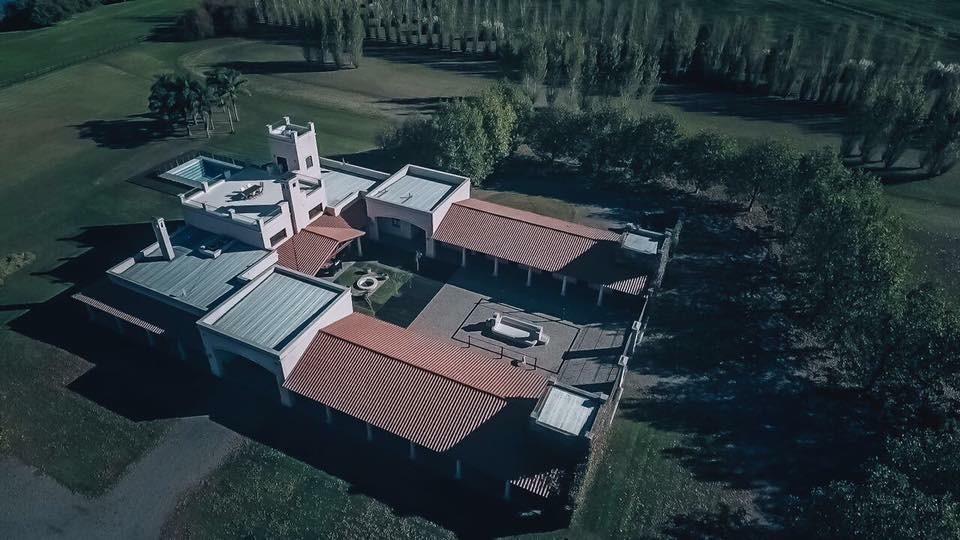 chacra en venta - 3,4 ha en lobos, provincia de buenos aires - club de polo, casa principal sobre laguna, turismo, eventos