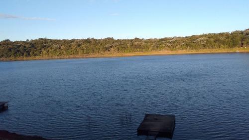 chacrinha pé na água / represa jaguary     ch-103
