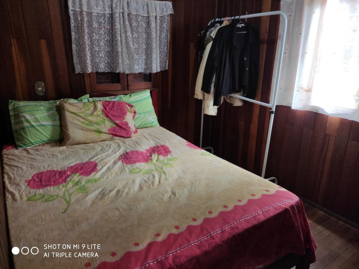 chale com 02 quartos,01 banheiro,01 sala,varanda dek,quintal
