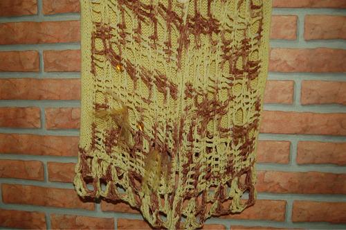 chaleco artesanal tejido a crochet con capucha