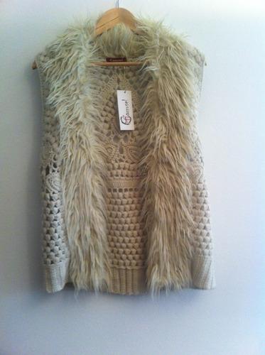 chaleco lana con piel color crudo