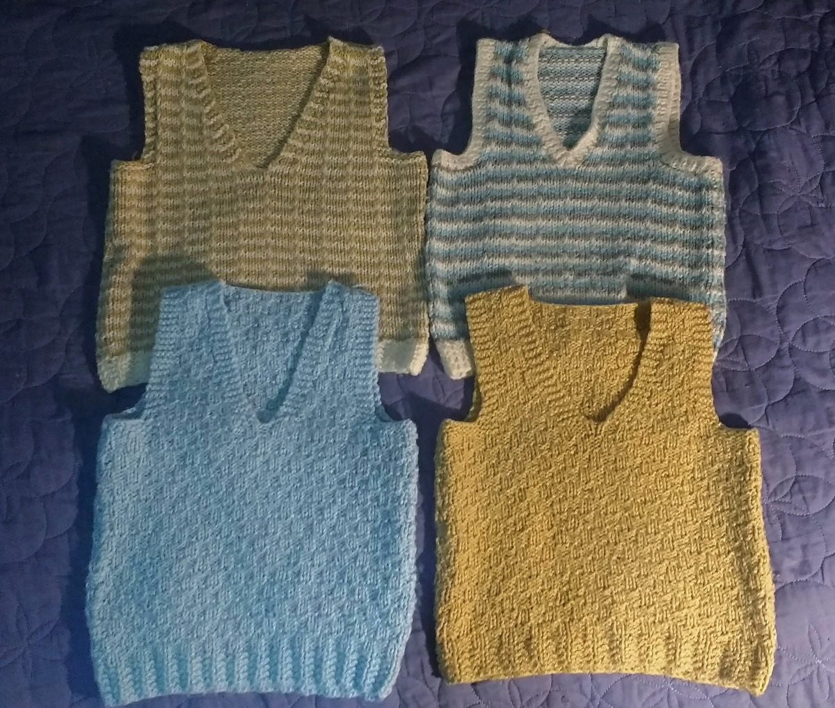 ccf43fe63 chaleco lana tejido a mano para niños. Cargando zoom.