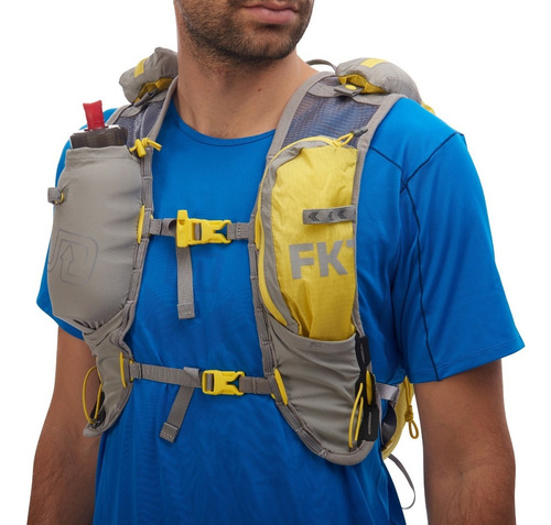 chaleco ultimate direction - fkt vest - water resistant