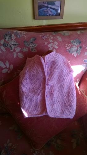 chalecos para bebè tejidos a palillo y crochet forrados
