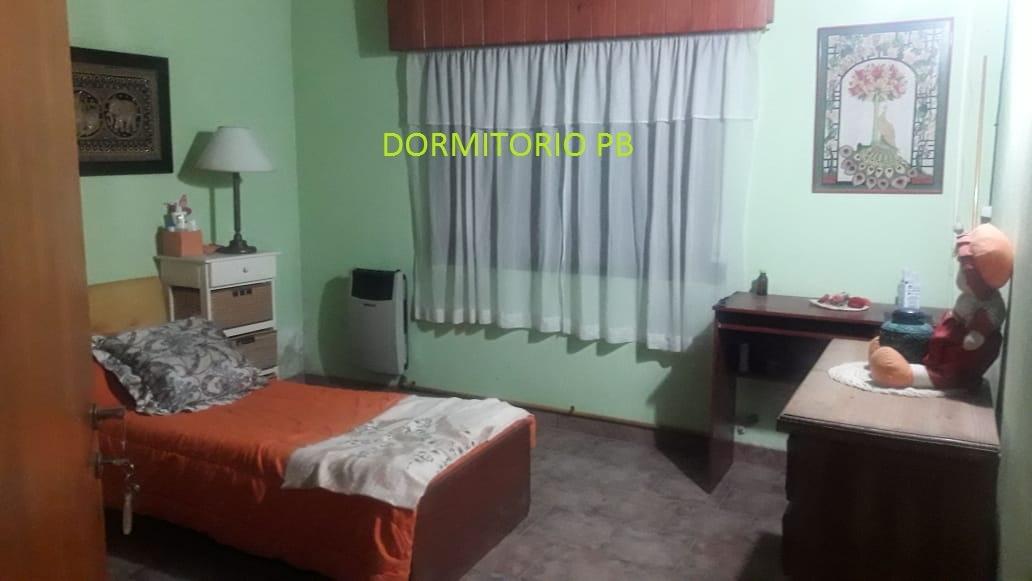 chalet 2/3 dormitorios en costa azul con monoamb. al fondo