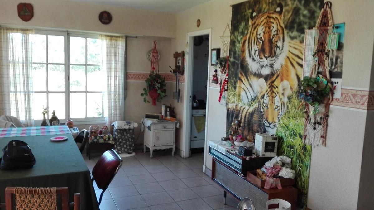 chalet 3 amb. garage - quincho tipo dto. s/ lote de 6300 m2. chalet en venta. 3 amb., 2 dorm., 2 baños - 6700 m2., 172 m2 cub.