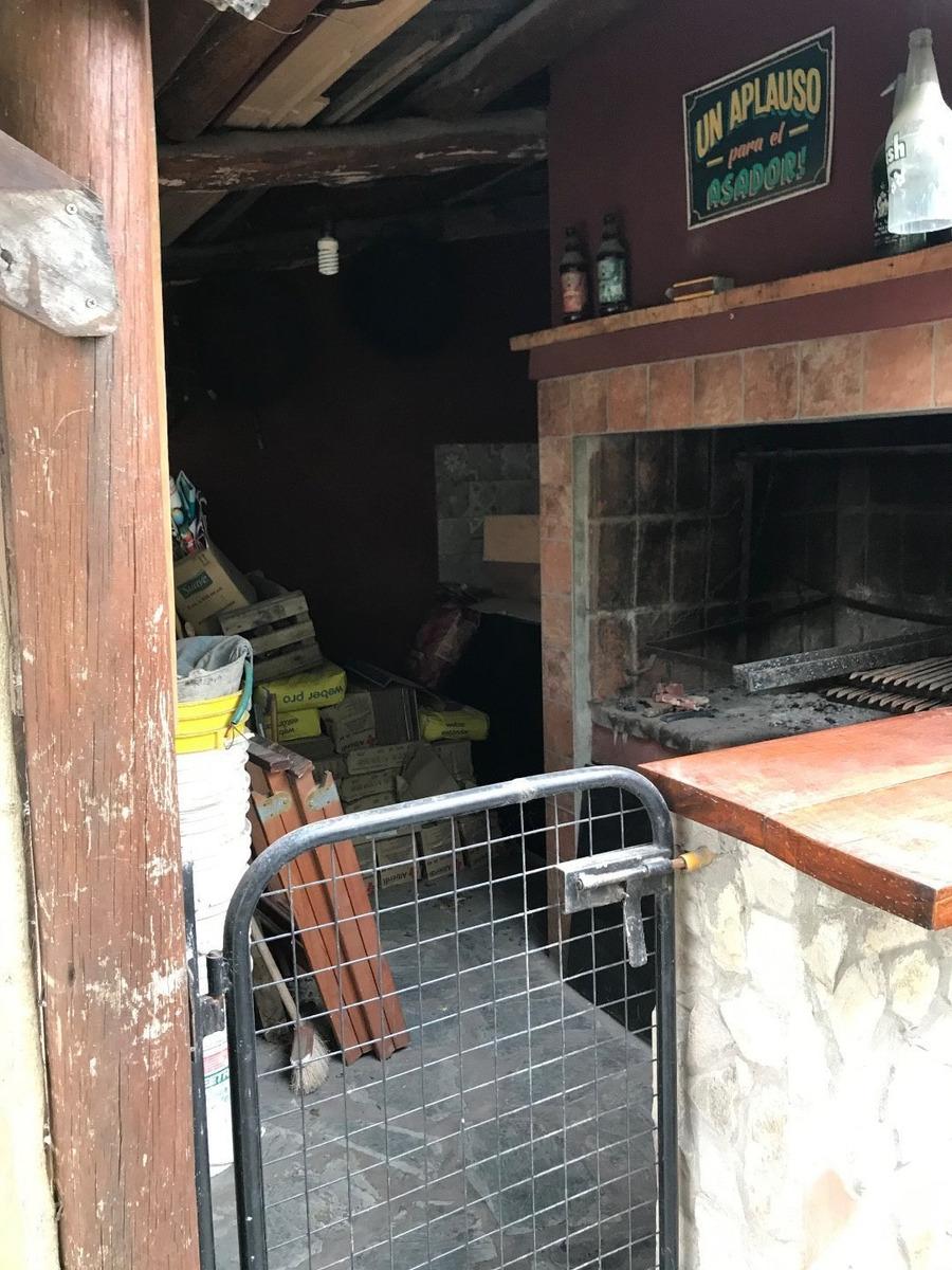 chalet 3 amb reciclado con quincho y patio