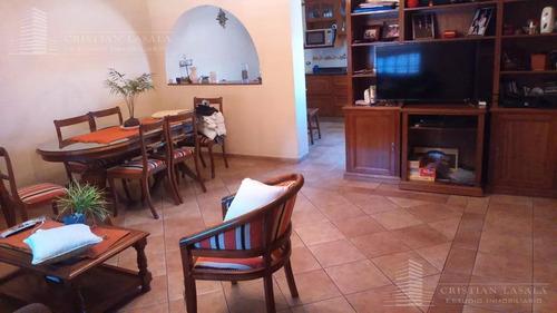 chalet 3 ambientes c/cochera - villa ariza