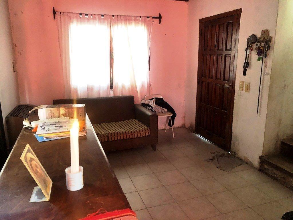 chalet 3 ambientes con garage/quincho. zona caisamar