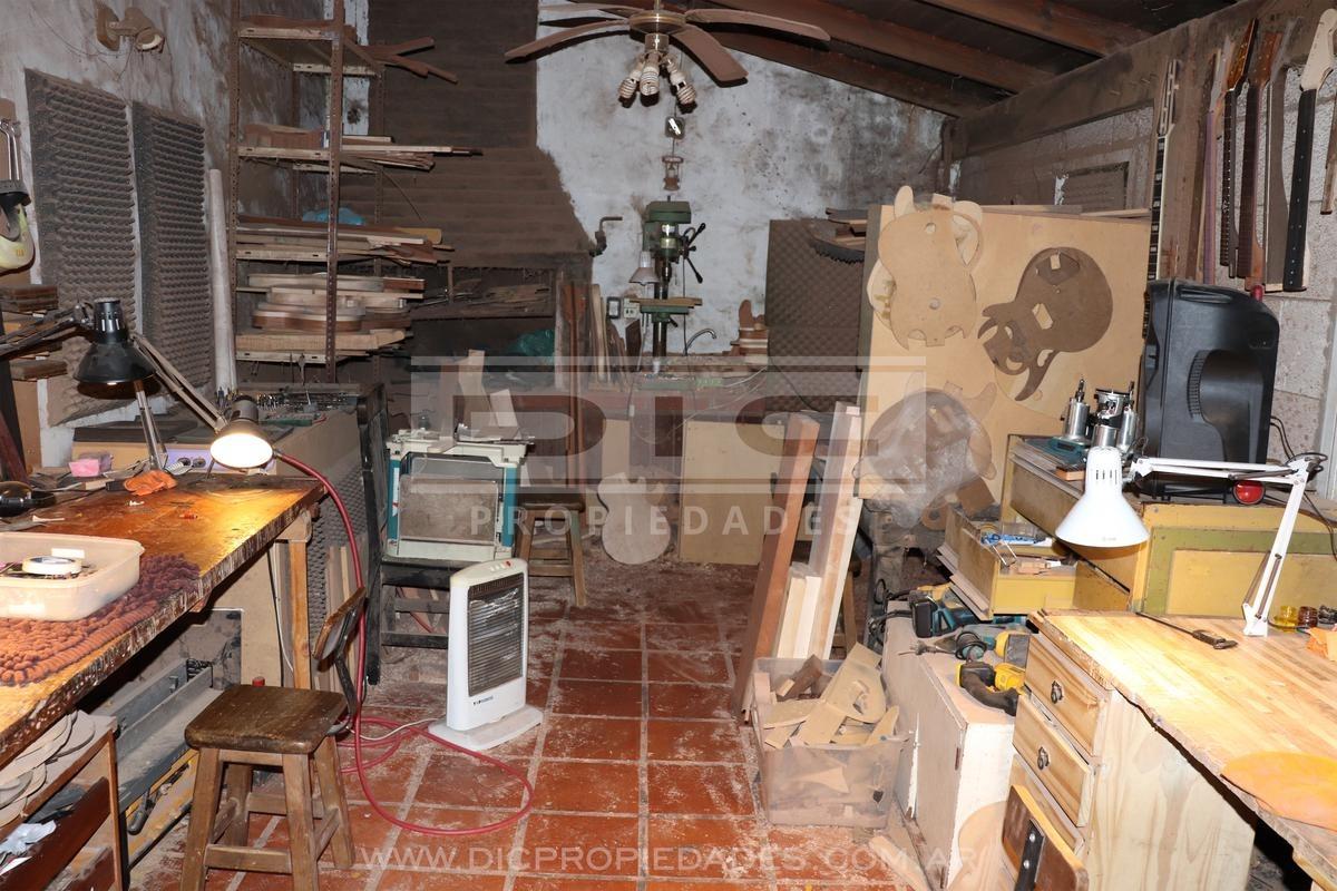 chalet 3 dormitorios con gran jardin en  olivos