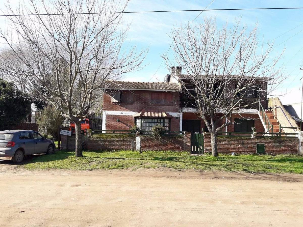 chalet 4 amb + depto 4 amb + duplex 3 amb + depto 2 amb , venta en block - garaje y taller - rebajado!!!