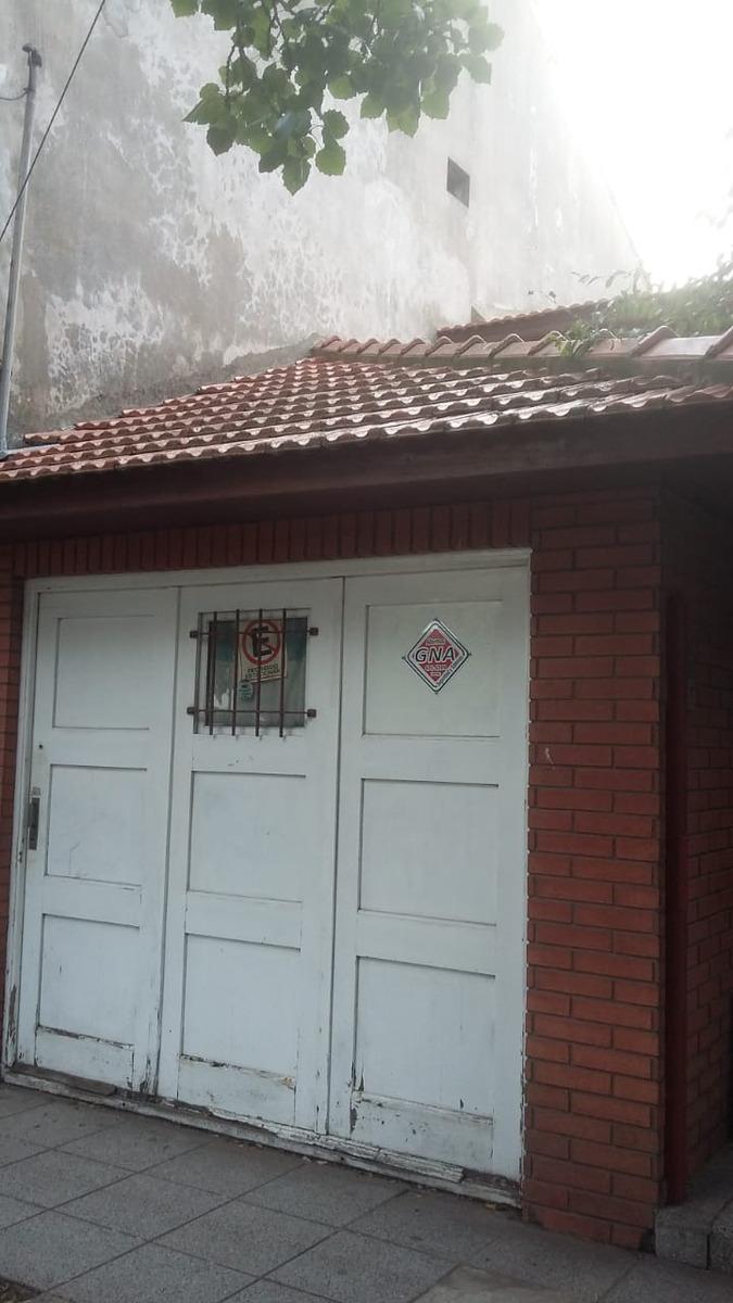 chalet 4 ambientes con garage