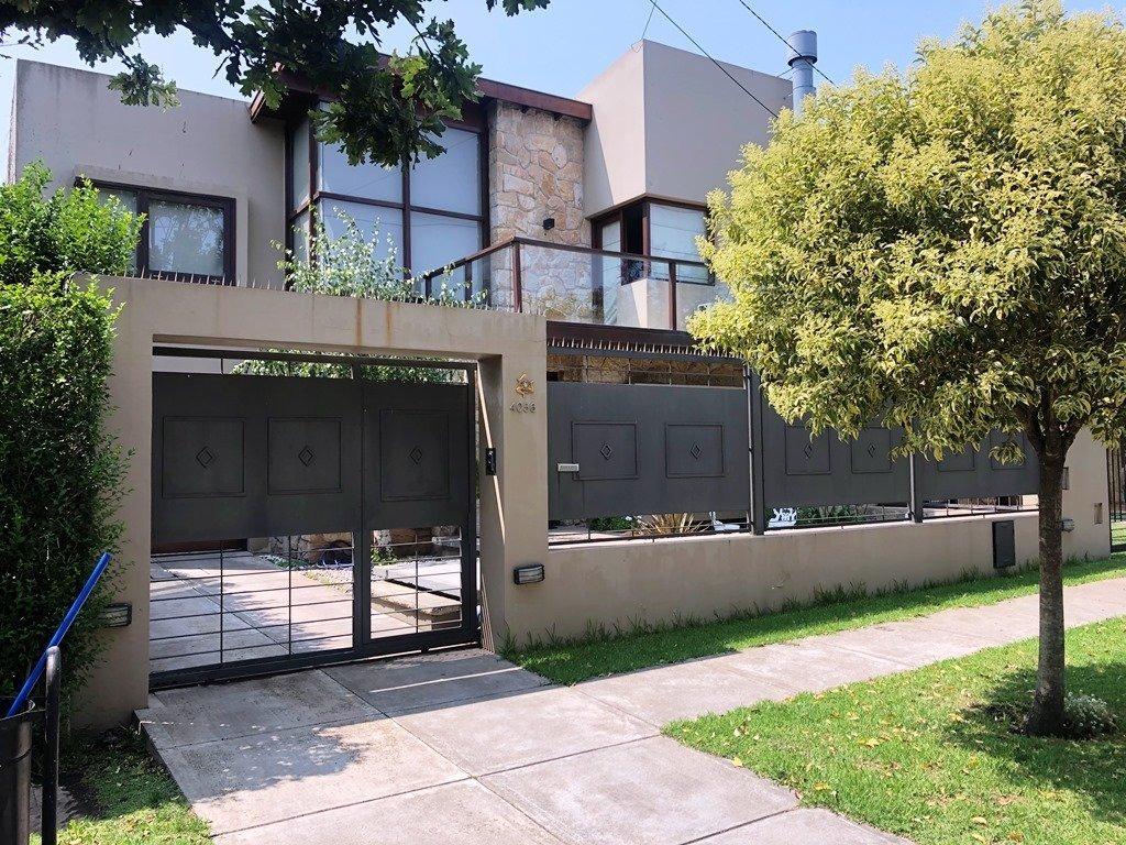 chalet 4 ambientes con piscina y garage/quincho. zona divino rostro
