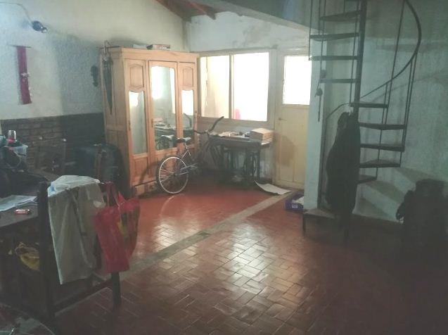 chalet 4 ambientes en calle tucuman 2700, castelar norte