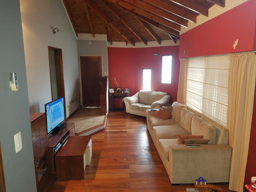 chalet 4 ambientes exc ubic  cane 693