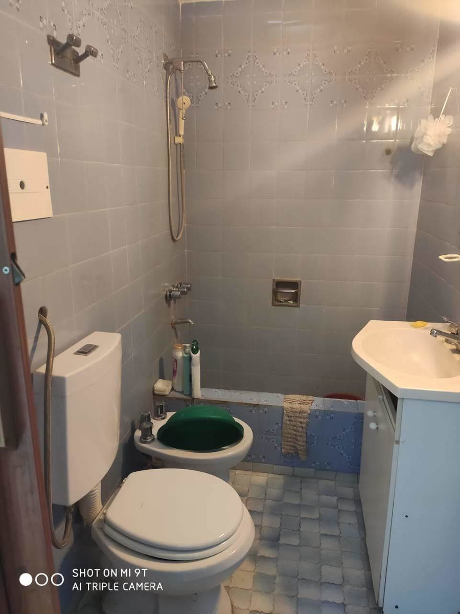 chalet 4 ambientes muy luminosos ,cocina , baño parrilla, en