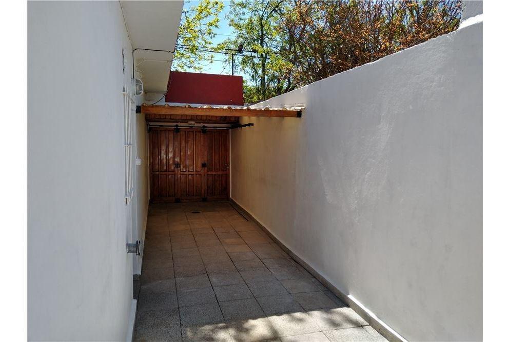 chalet 4 ambientes,  patio  y depto de 2 amb