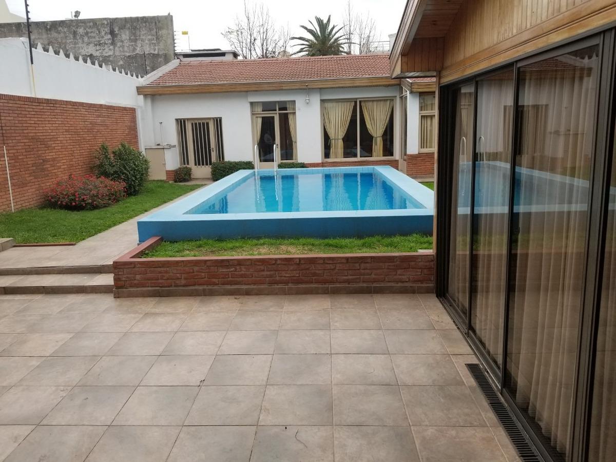 chalet | 5 + 1 amb | 3 plantas | fdo | piscina | quincho