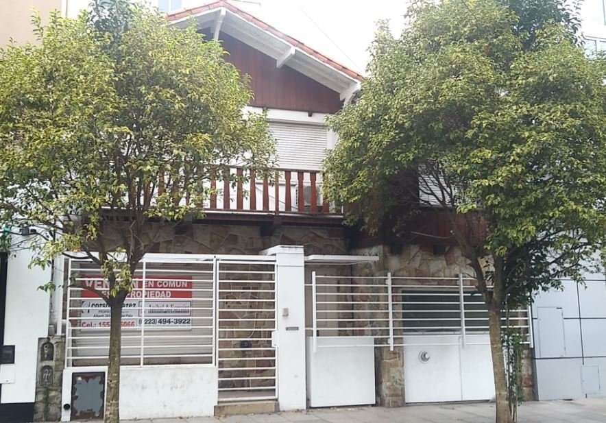 chalet 5 ambientes en alquiler plaza mitre. ideal uso comercial o profesional