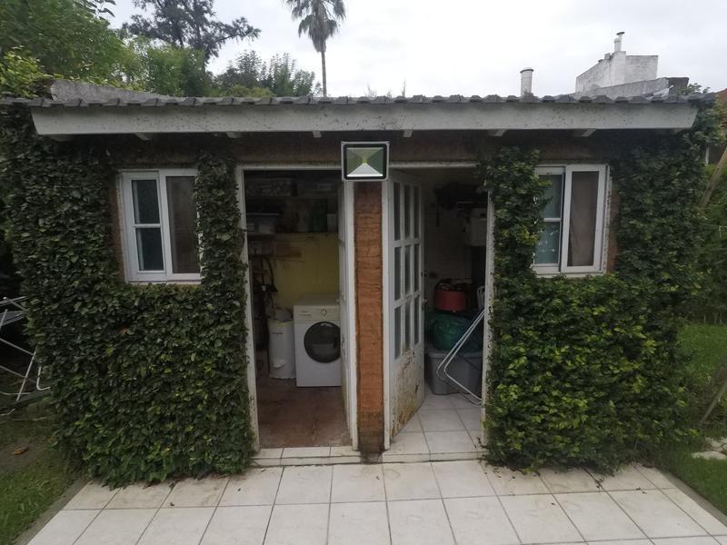 chalet 5 ambientes en club privado loma verde (147)