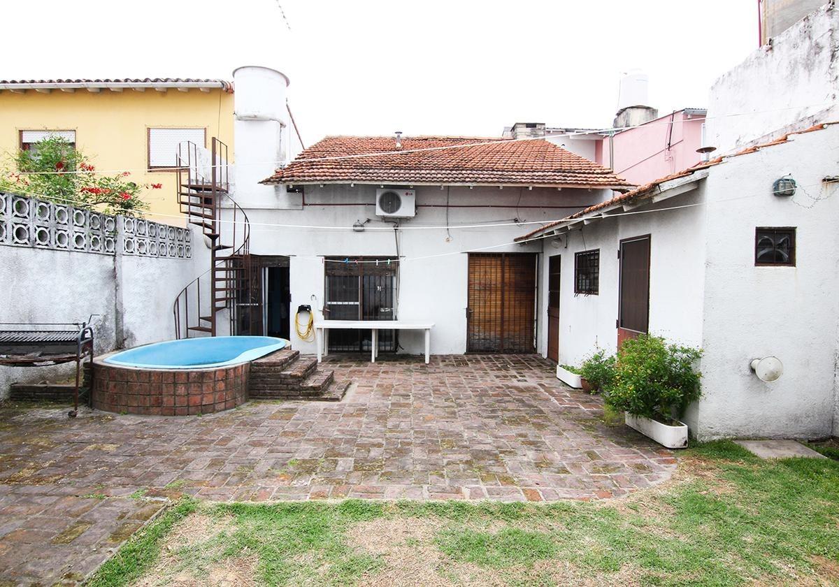 chalet 5 ambientes en excelente zona residencial de olivos