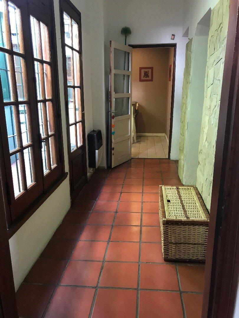 chalet 5 ambientes en pompeya
