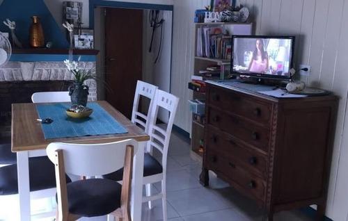 chalet 5 ambientes renovado más local. chauvín. u$s 295.000