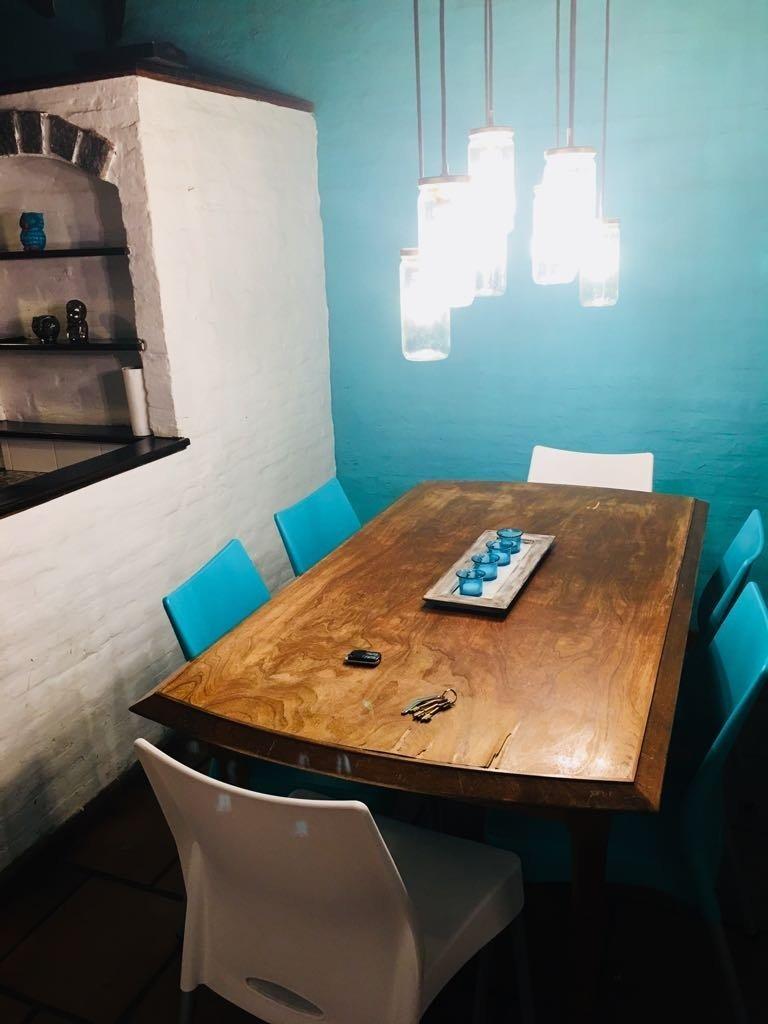 chalet 5 ambientes sobre 2 lotes en barrio caisamar en venta!!