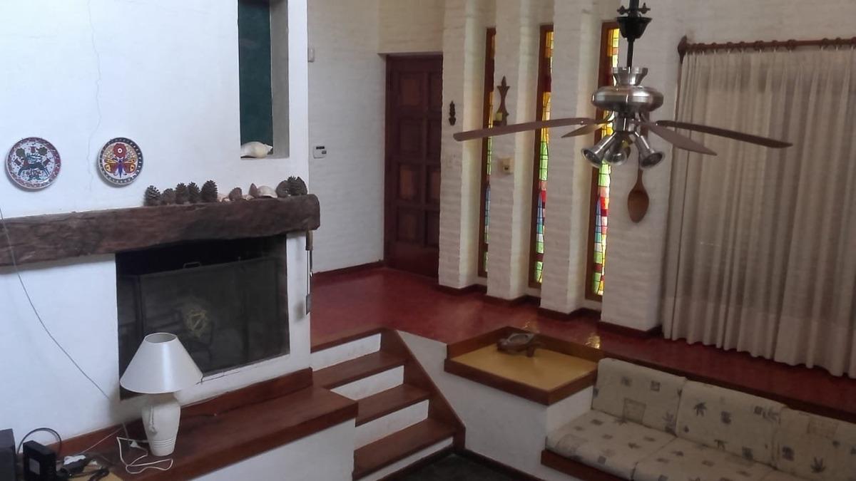 chalet 5 ambientes zona iglesia
