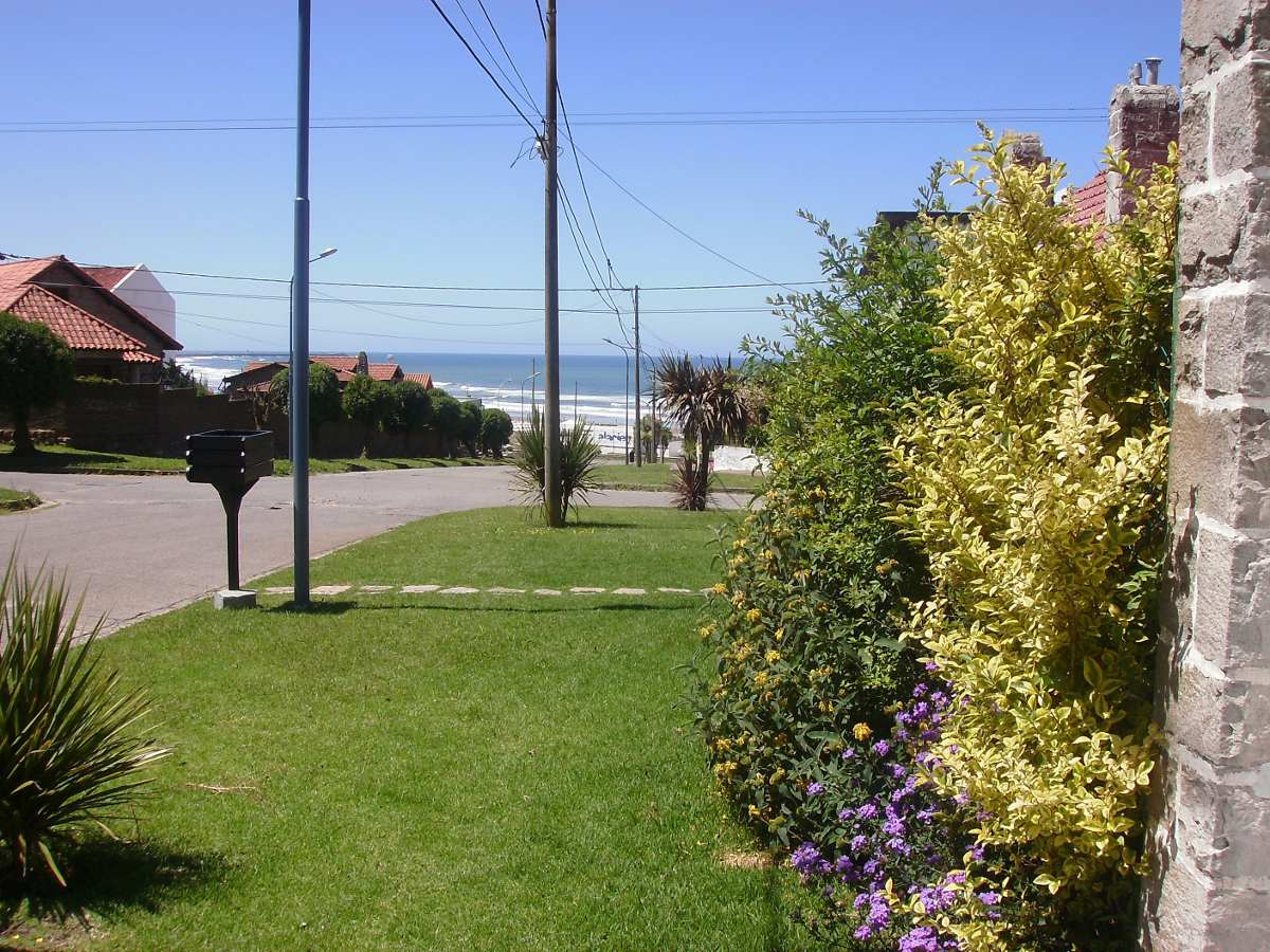 chalet  5 pers. hermosa vista al mar. garage, quincho, wi fi