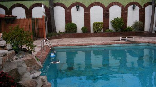 chalet 6 amb. 4 coch. piscina, 4 dorm, play, parque, quincho